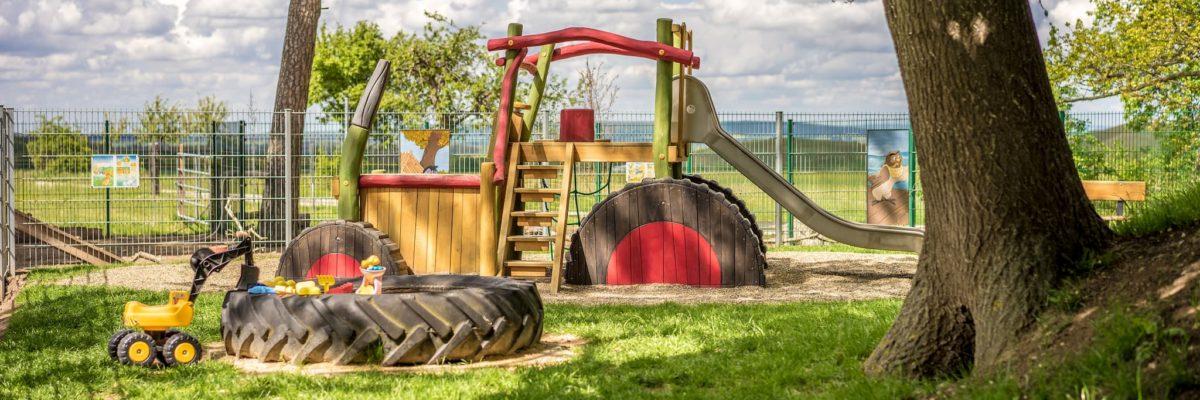 Spielplatz & Tiergehege